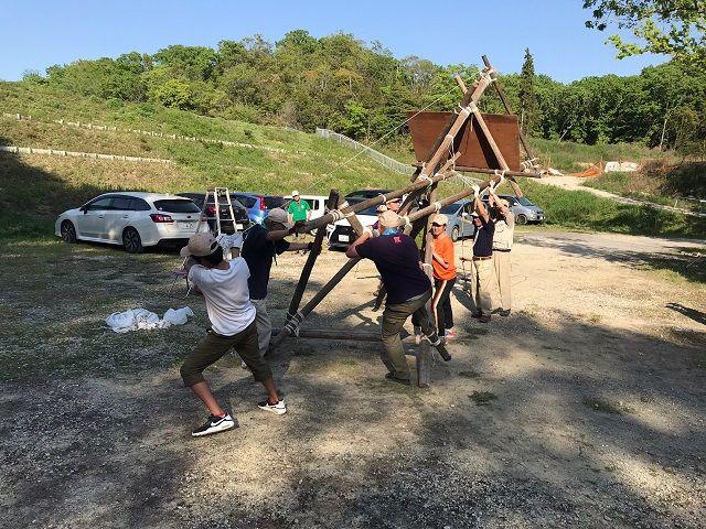 垂水舞子のボーイスカウト神戸第2団 ベンチャースカウト 三脚信号塔作成